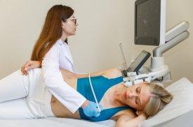Pacientei atliekama širdies echoskopija