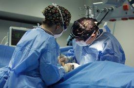 Krūtų didinimo implantais operacija