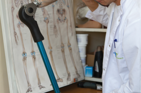 Ortopedas technologas tobulina protezą