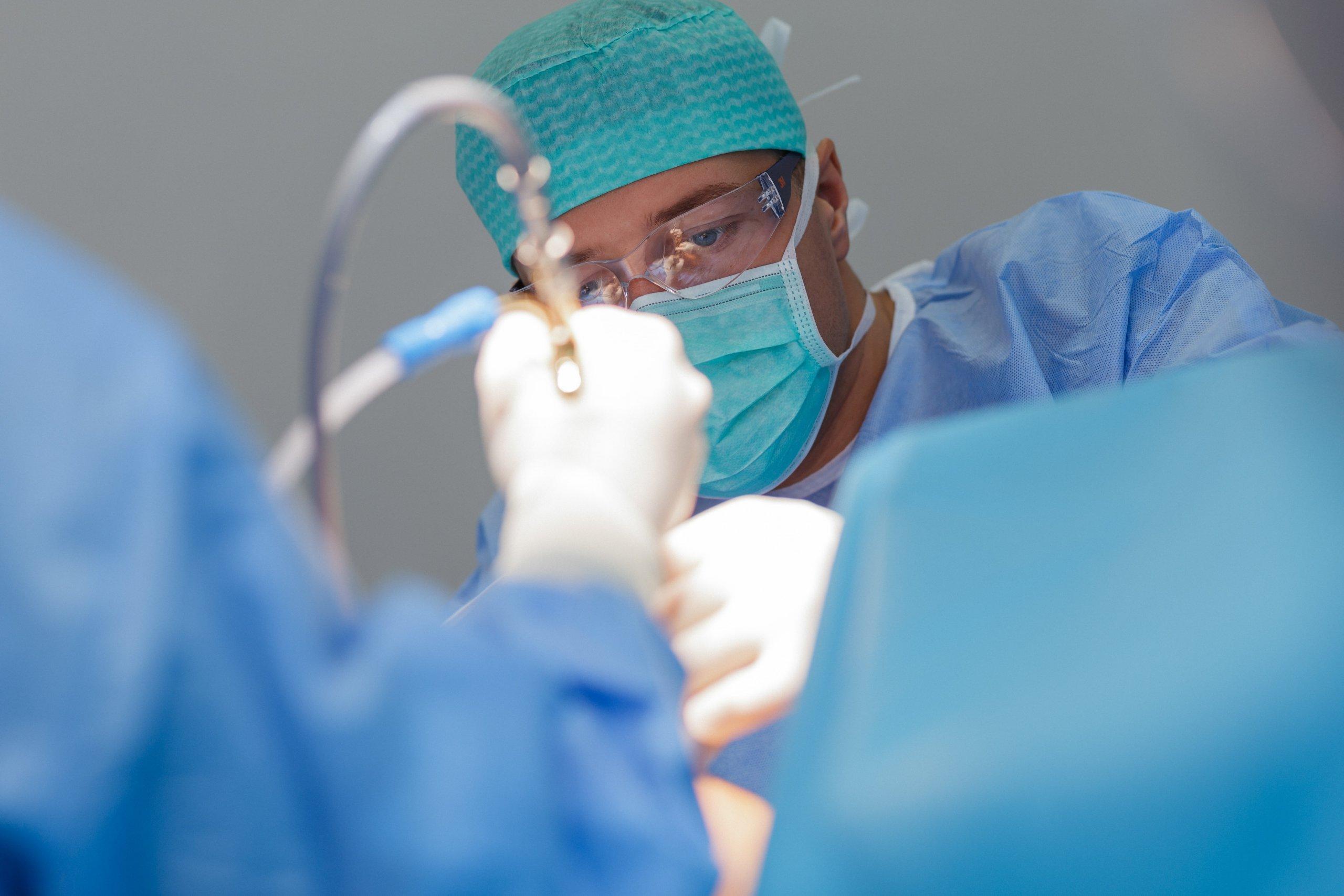 Ar rizikingas chirurginis varpos didinimas? Ar komplikacijos po operacijos būna sunkios?